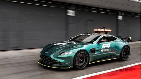 Das Handout des Autoherstellers Aston Martin zeigt das neue Safty Car der Formel 1, einen Aston Martin Vantage