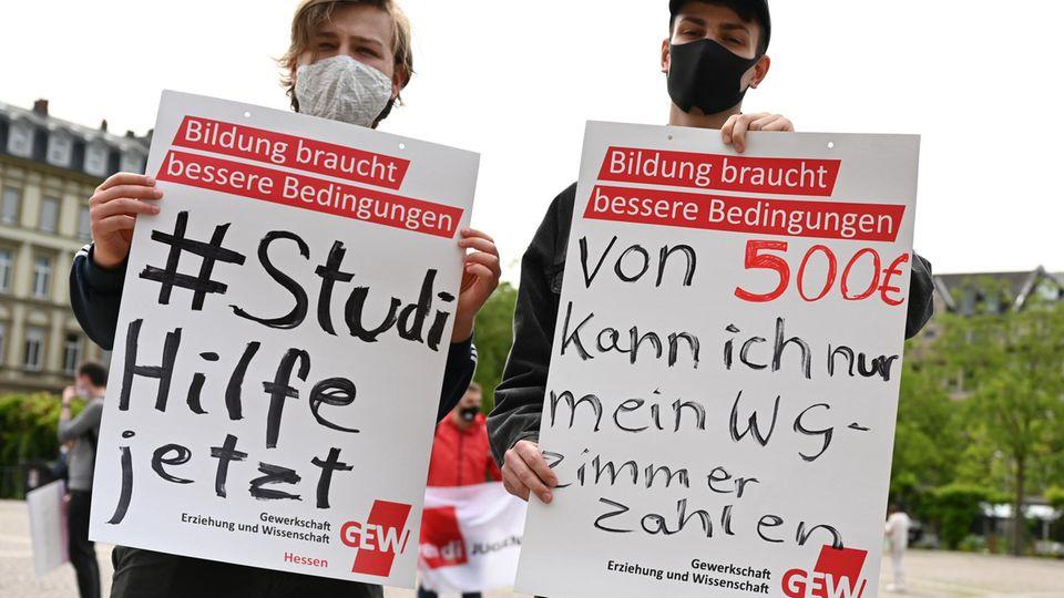 Finanzielle Notlage: Wenn der Nebenjob wegen einer Pandemie wegfällt: Studierende fordern mehr Unterstützung