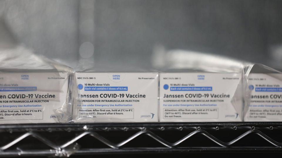 Eingeschweißte Packungen des Impfstoff von Johnson & Johnson gegen SARS-CoV-2