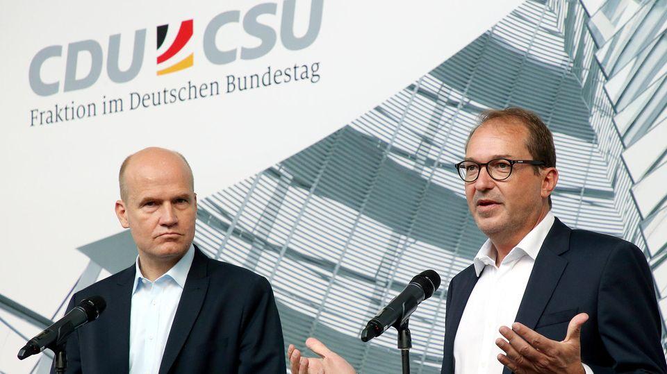 Sehen mit den abgegebenen Ehrenerklärungen aller Unions-Abgeordneten den Maskenskandal weitgehend aufgearbeitet: Fraktionsspitzen Ralph Brinkhaus (CDU, li.) und Alexander Dobrindt (CSU)