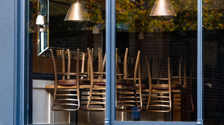 Wie lange bleiben die Stühle in der Gastronomie noch hochgestellt?