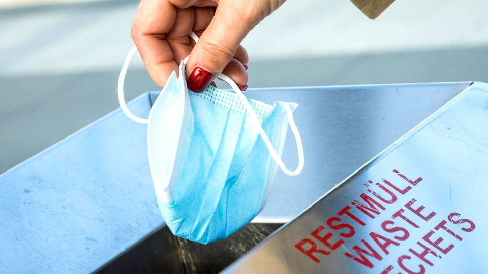 Papiermüll, gelbe Tonne oder Restmüll: Die meisten entsorgen Masken und Handschuhe falsch