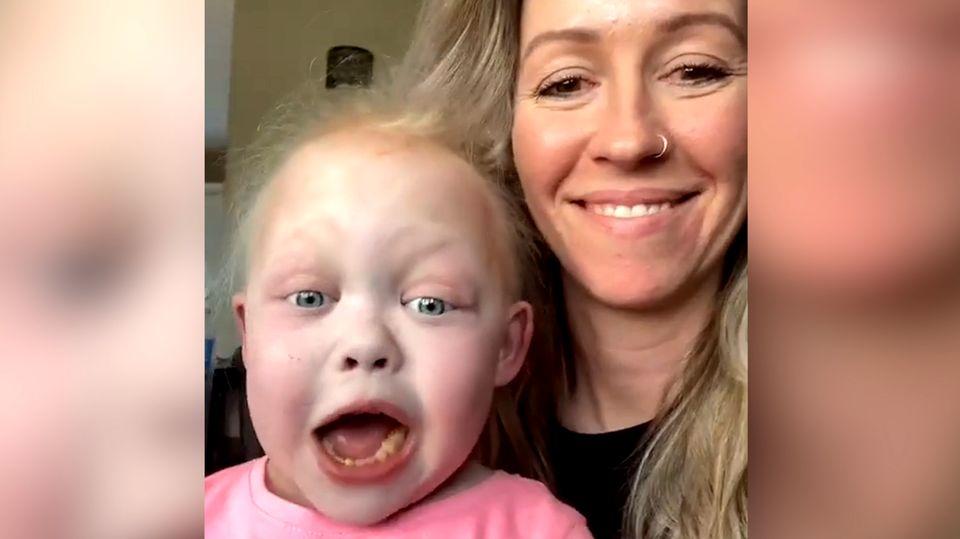 Isabella Thompson mit ihrer Mutter Kyla