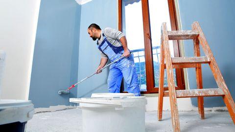 Wände streichen und Heizkörper lackieren: Die Tricks der Vermieter durchschauen: Was Mieter wirklich in der Wohnung renovieren müssen