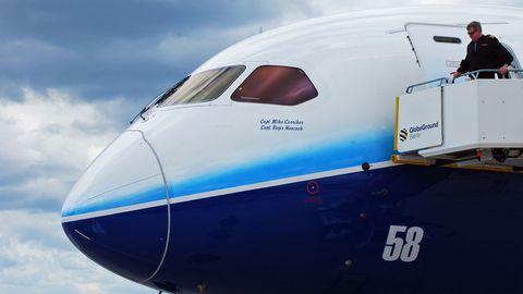 """Das Cockpitfenster einigerBoeing 787 """"Dreamliner"""" müssen erneut einer Inspektion unterzogenwerden"""
