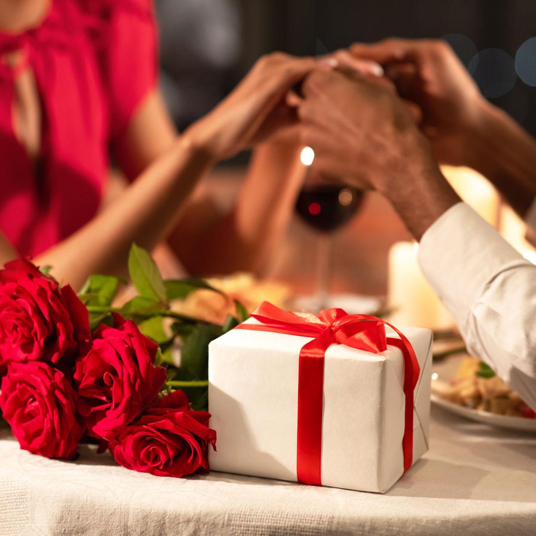 Für geschenk hochzeitstag frau 1 zum Geschenk Zum