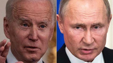 US-Präsident Joe Biden (l.) griff den russischen Präsidenten Wladimir Putin scharf an