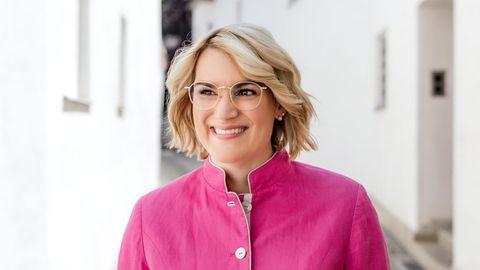 Ein Porträt der Augsburger Oberbürgermeisterin Eva Weber