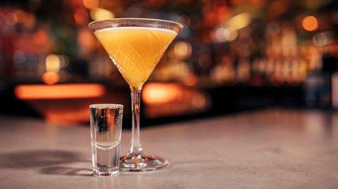 Der Pornstar Martini ist einer der beliebtesten Cocktails weltweit und sorgt einer Umfrage zufolge zugleich für die schlimmsten Kater