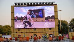 Im Sommer 2020 fand Deutschlands erstes Fahrradkino auf dem Heiligengeistfeld in Hamburg statt.