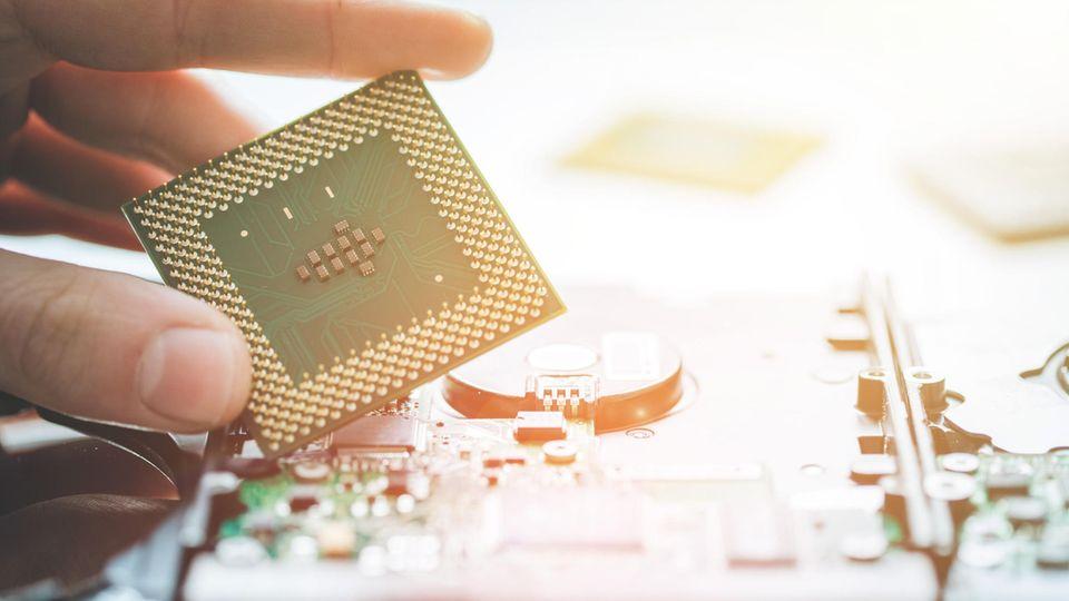 Wartezeit bei PS5 und Neuwagen: Die Nachfrage nach Chips und Bauteilen wächst immer weiter