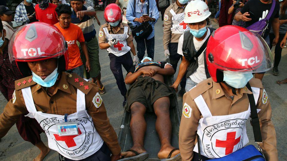 Proteste in Myanmar: Wie im Horrorkabinett: So brutal geht das Militär gegen die Demonstrierenden vor