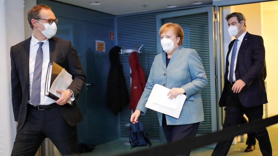 Bundeskanzlerin Angela Merkel (CDU, M.)