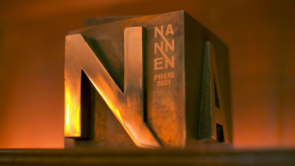 Eine solche Bronze-Trophäe bekommen die Preisträger der fünf Kategorien des Nannen Preises bei der Preisverleihung am 1. Juni 2021 überreicht.