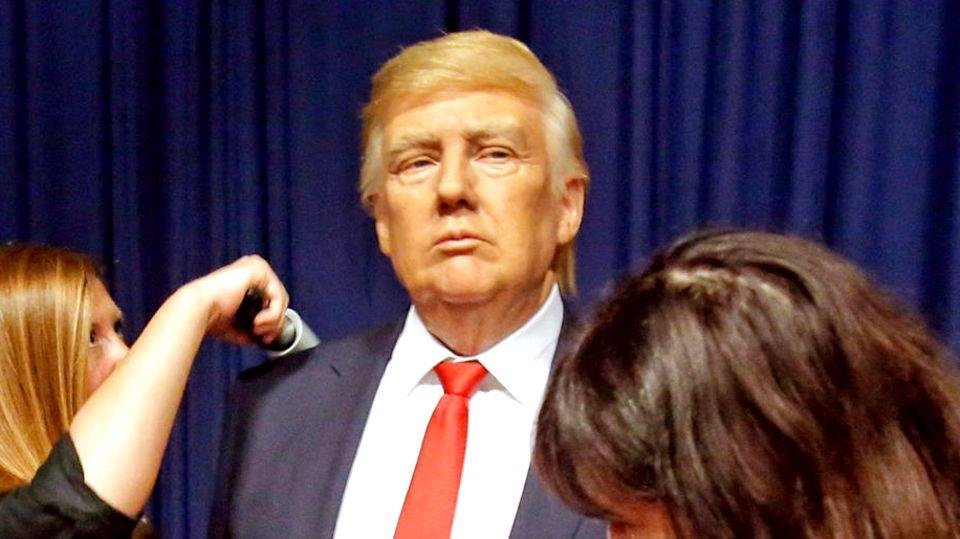 Donald Trump als Wachsfigur kurz vor der Enthüllung für die Öffentlichkeit im Januar 2017