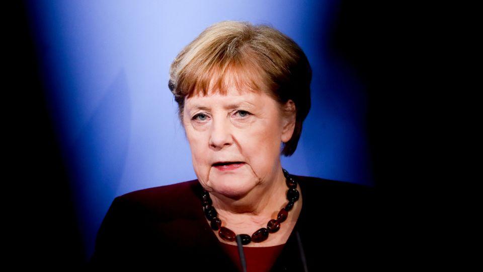 """AngelaMerkelwill im Notfall die """"Notbremse""""ab einer Sieben-Tage-Inzidenz von 100 ziehen"""