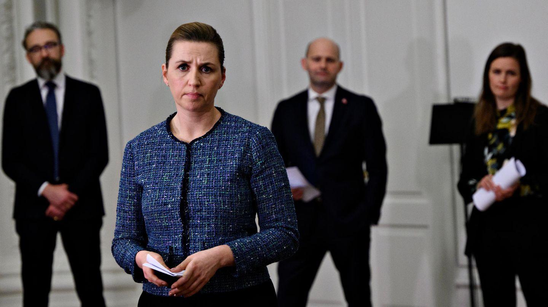 Mette Frederiksen (M), Ministerpräsidentin von Dänemark, und die Vorsitzenden aller Parteien bis auf eine