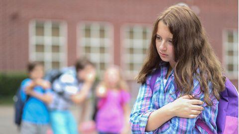 In der Schule fühlt Nele sich einsam und allein (Symbolbild)