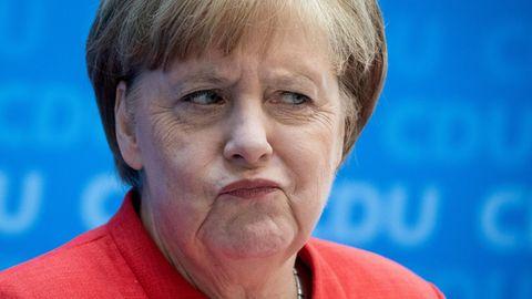 Bundeskanzlerin Angela Merkel verzieht den Mund