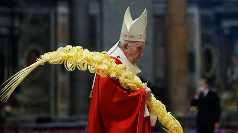 Papst Franziskus feiert die Messe zum Palmsonntag im Vatikan