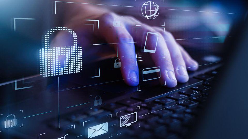 Hacker haben im Laufe der Jahre Milliarden sensible Daten erbeutet (Symbolbild)