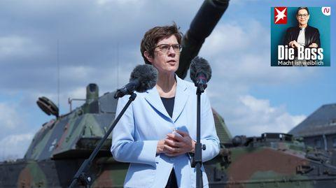 """Podcast """"Die Boss"""": Verteidigungsministerin Annegret Kramp-Karrenbauer"""