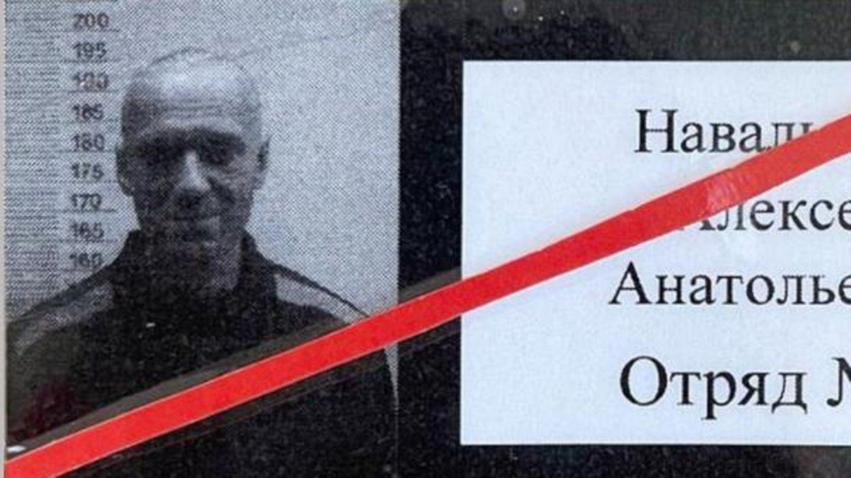Der Ausweis, den Alexej Nawalny im Straflager tragen muss