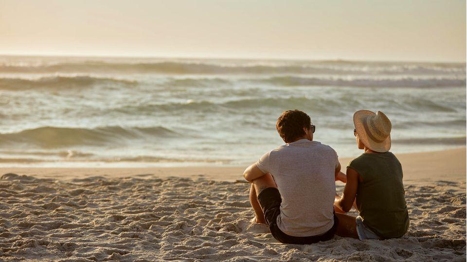 Hilfe vom Date-Doktor: Sie verliebte sich in einen viel jüngeren, beziehungsunfähigen Mann. So fand sie dennoch ihr Glück