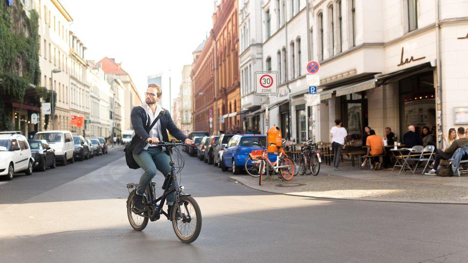 Mobilität : E-Bikes boomen in Deutschland – deshalb werden sich die Innenstädte verändern