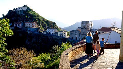 Sizilien: Dörfer verkaufen Häuser
