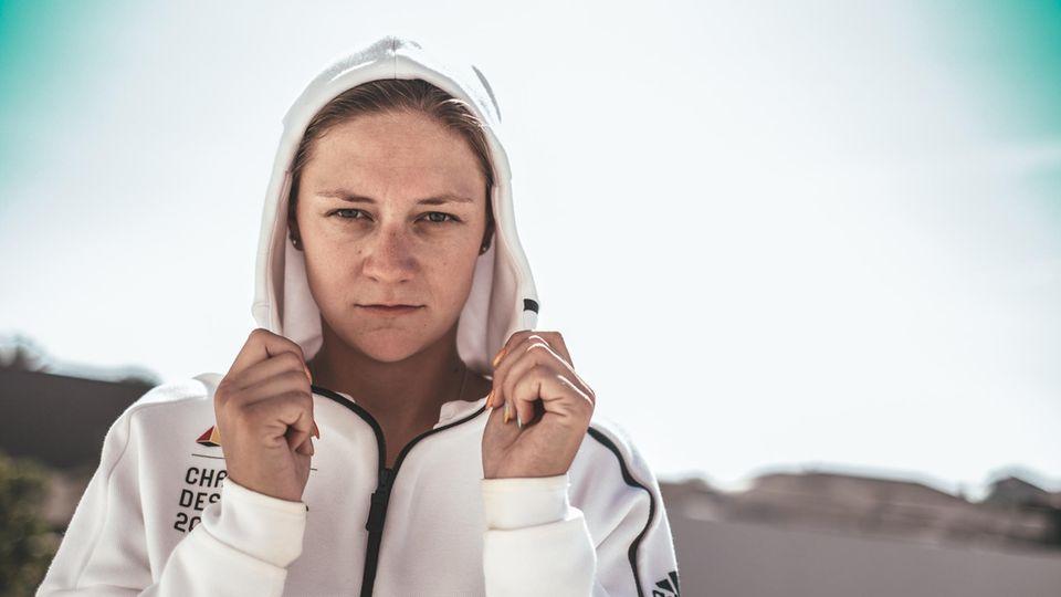 """""""Ich bin sportlich, topfit und jung, dachte ich, das wird schon bald wieder. Ich lag falsch."""" Steffi Kriegerstein, 28, ist eine der besten Kanutinnen der Welt. Seit ihrer Corona-Infektion wird sie nicht wieder gesund."""