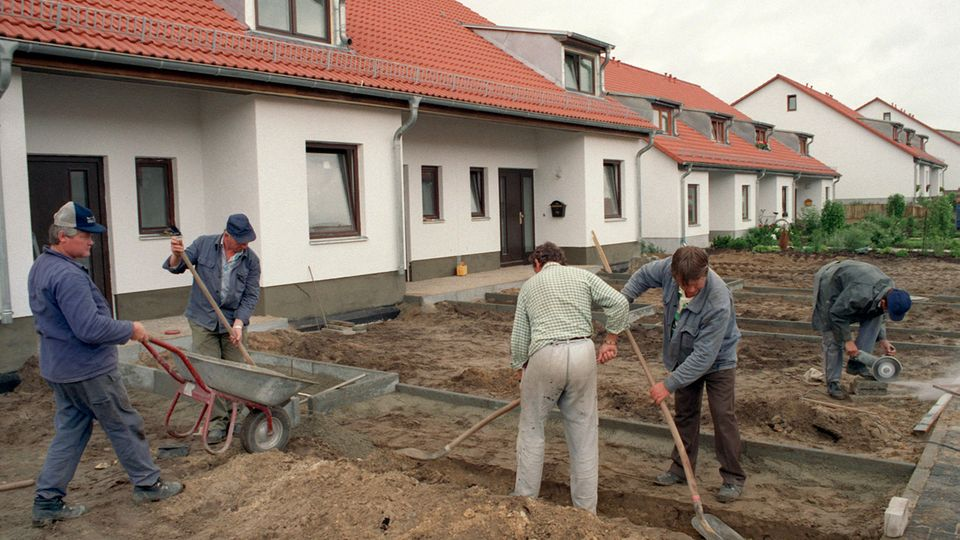 House construction 1990s