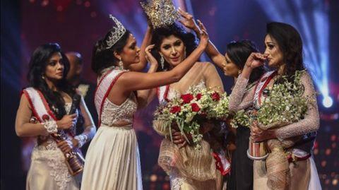 Mrs World entreißt Mrs Sri Lanka die Krone – und wird festgenommen