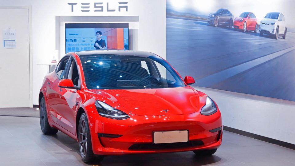 Autohersteller in Deutschland: Die E-Mobilität nimmt Fahrt auf – deshalb wird Tesla vom Jäger zum Gejagten