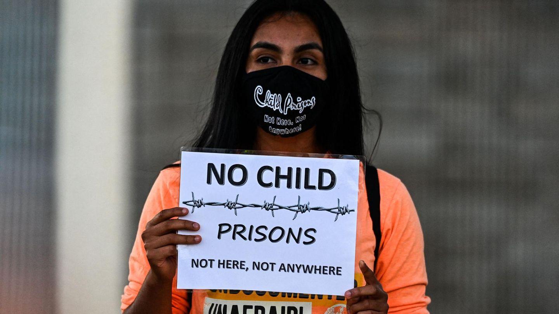 Homestead, Florida: Demonstranten versammeln sich um das Homestead Detention Center. Sie fordern die Schließung der Einrichtung, das Ende der Abschiebung von Immigranten und das Ende die Inhaftierung von Kindern.