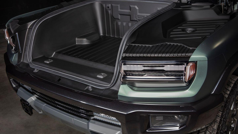 Unter der Haube ist nun Platz für einen Kofferraum.