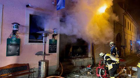 """Die ausgebrannte Kneipe """"Techtel-Mechtel"""" in Volkach"""