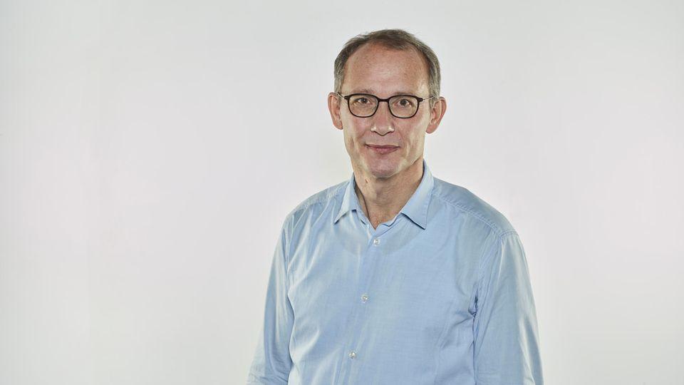 Dr. Stephan von Landwüst ist niedergelassender Arzt für Kinder- und Jugendheilkunde in Leverkusen.
