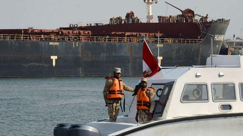 Ägyptische Küstenwächter auf dem Suezkanal