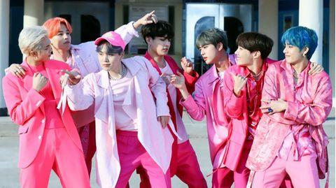 Die K-Pop-Band BTS freut sich über einen rekordverdächtigen Erfolg