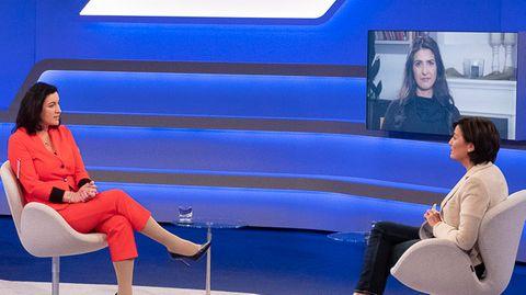 Dorothee Bär und Serap Güler bei Sandra Maischberger