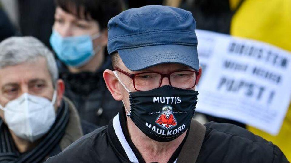 """News von heute: Thüringer Verfassungsschutz will """"Querdenken""""-Bewegung bundesweit zum Verdachtsfall machen"""