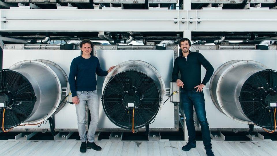 Christoph Gebald und Jan Wurzbacher sind überzeugt, dass Techniken, die CO2 direkt aus der Luft extrahieren, einen wichtigen Beitrag zum Weltklima leisten können.