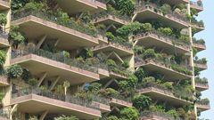 In den Städten sollen begrünte Hochhäuser für bessere Luft sorgen.