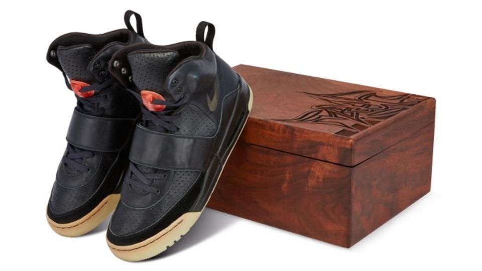 Die Sneaker trug Musiker Kanye West 2008 bei den Grammys