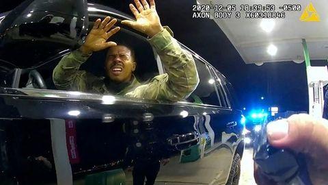 Caron Nazario wird bei einer Verkehrskontrolle in Windsor, Virginia von Polizisten mit Pfefferspray besprüht