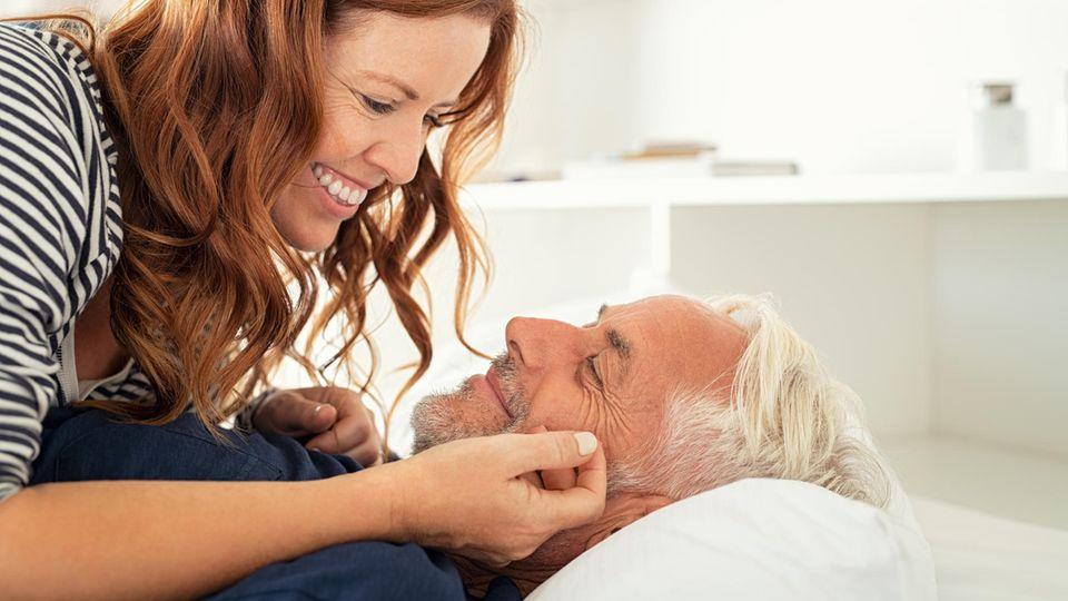 Sex für Wiedereinsteiger: Glückliche Frau mit Mann