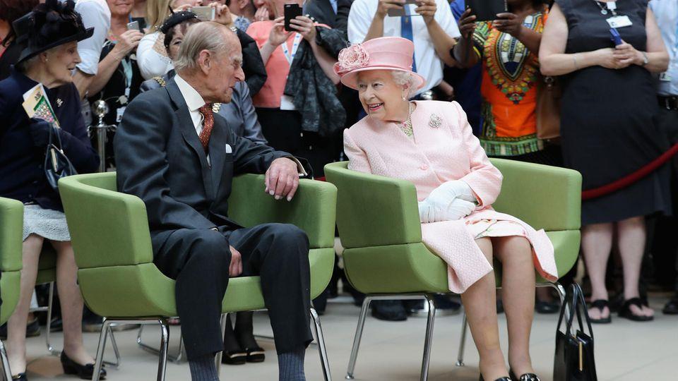Prinz Philip und Queen Elizabeth 2016 bei einem Besuch in Liverpool