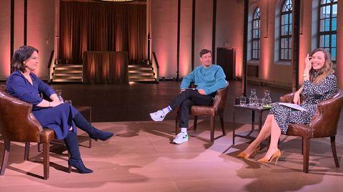 Annalena Baerbock beim Pro-Sieben-Interview mit Thilo Mischke und Katrin Bauerfeind