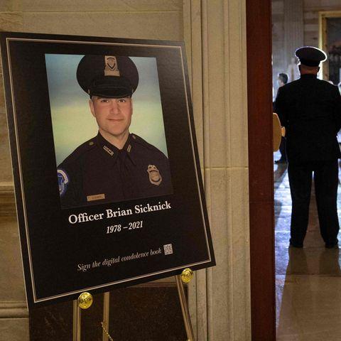 Gerichtsmedizin: US-Polizist starb bei Erstürmung des Capitols eines natürlichen Todes